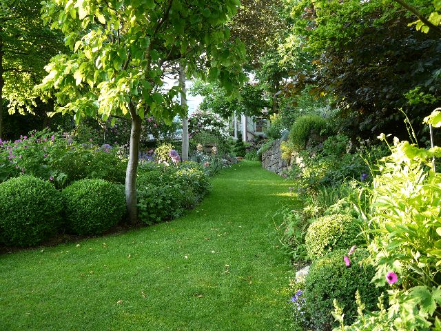 Offener garten garten for Gartengestaltung quadratischer garten